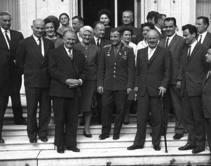 Как Юрия Гагарина встречали в Париже